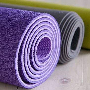 how to choose the right yoga mat for you